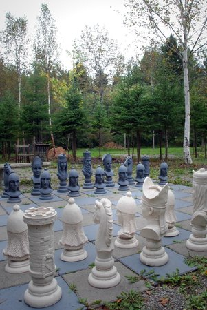 Au NIDaigle: Outdoor chess set
