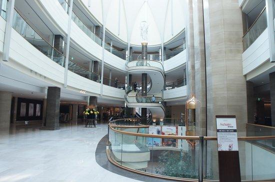 Lotte Hotel World Lobby