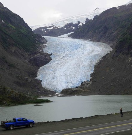 Stewart-Cassiar Highway: Toyota having a small moment on the Bear Glacier