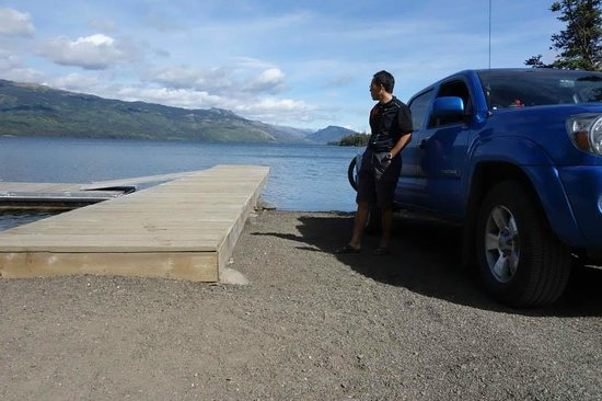 Stewart-Cassiar Highway: Lake Kinaskan at Edziza Provincial Park – A high plateau of ancient volcanic cones, flows and pl