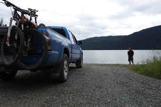 Stewart-Cassiar Highway: Nice campground – Sawmill Point Recreation Site at the North End of Dease Lake.