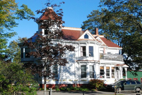Evangeline's Tower Bed and Breakfast: B&B Street View