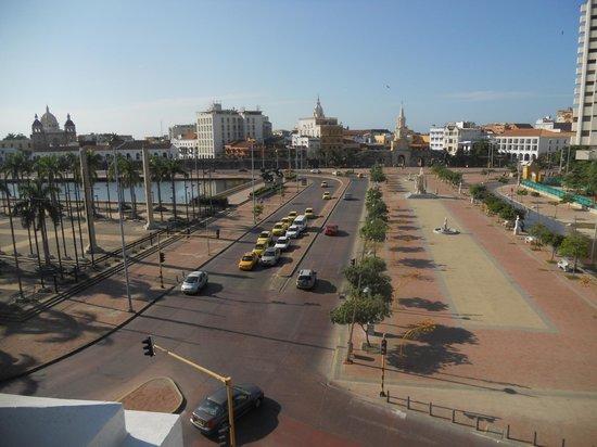 Hotel Monterrey: Vista do terraço (o hotel tem apenas 3 andares) em frente à Cidade Murada
