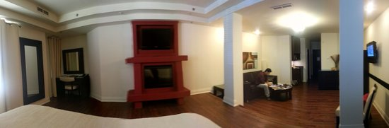Sterling Inn & Spa : panoramic shot of the deluxe suite