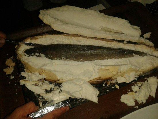 Balikcinin Yeri Restaurant: Fish baked in salt