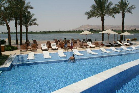 Hilton Luxor Resort & Spa: Au fond : la vallée des rois