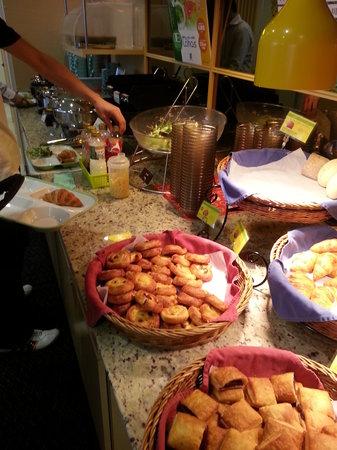 Super Hotel Asakusa: Breakfast spread