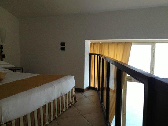 Hotel du Lac: The main sleeping area-hot.