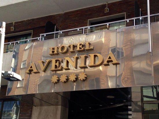 Hotel Avenida: Hotel sign