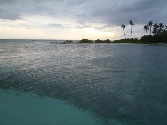 Olhuveli Beach & Spa Maldives: private island with strong currents