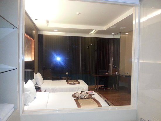The Grand Fourwings Convention Hotel: view from inside bathroom into bedroom
