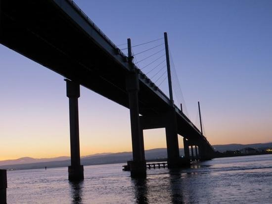 Aigas Field Centre: Kessock bridge at Inverness location of our otter run