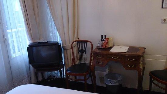 Hotel Schimmelpenninck Huys: Dit type TV verwacht ik niet meer in 3 sterren hotels