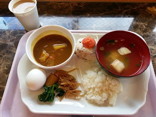 Toyoko Inn Fujisan Numazu Kitaguchi 2: Fortunate to be serve heavy breakfast that morning as certain morning are only served with toast