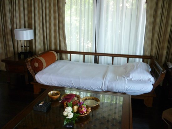 Nora Beach Resort and Spa: Sofa/spare bed