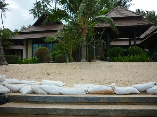 Nora Beach Resort and Spa : Villa view from the beach