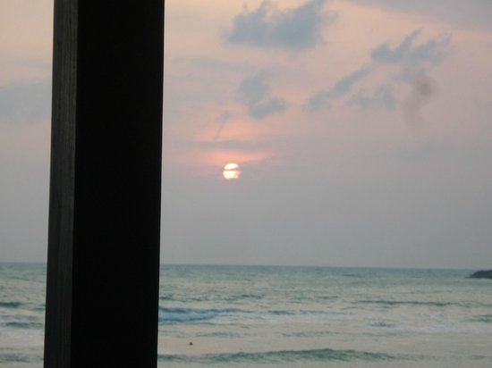 Nora Beach Resort and Spa: Watching the sun rise each morning