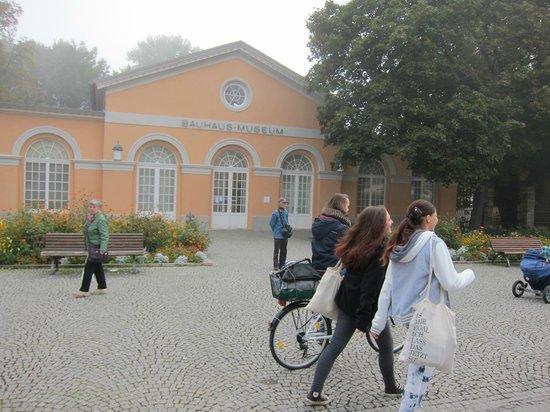 Deutsches Nationaltheater and Staatskapelle Weimar: 国民劇場・・・向かい