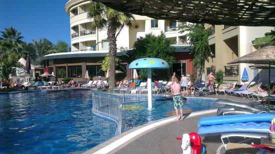 Cosmopolitan Resort Hotel: Pool två