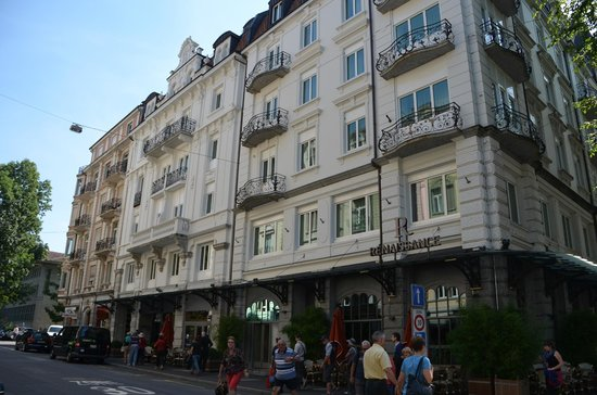 Renaissance Lucerne Hotel: Front of the hotel