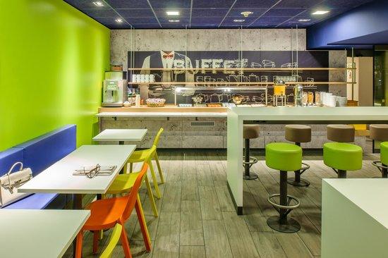 Ibis Budget Amsterdam Zaandam: Breakfast buffet