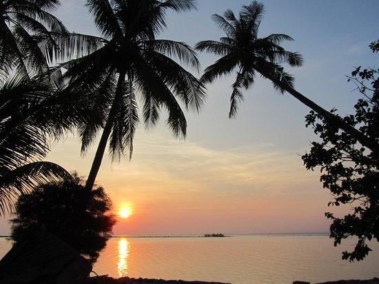 Kura Kura Resort : tramonto al Kura Kura