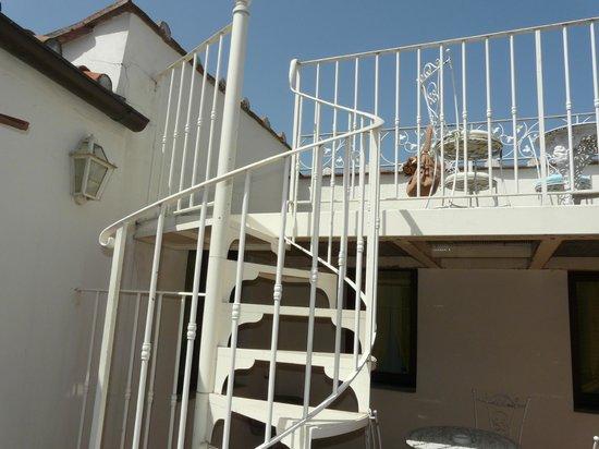 Serristori Palace: Лестница на террасе
