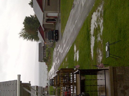Yule Log Resort: Rainy but beautiful