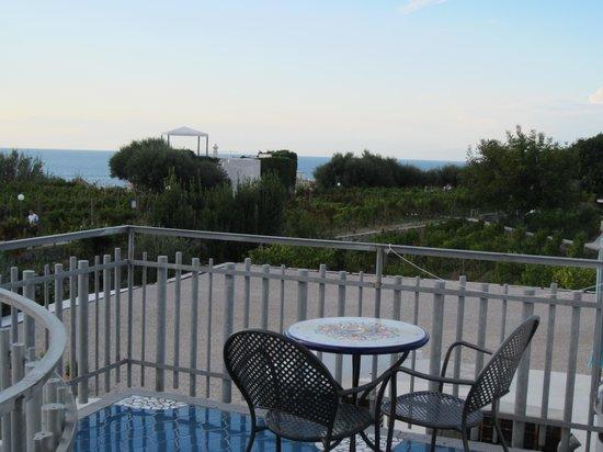 Il Gattopardo Hotel Terme & Beauty Farm : Blick von meinem kleinen Balkon aus