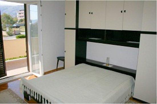 Villa Andreja Pension Mare and Apartments Toncica: Stanza