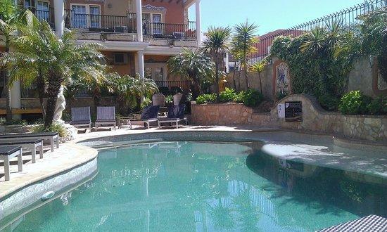 Dom Manuel Hotel: Poolside