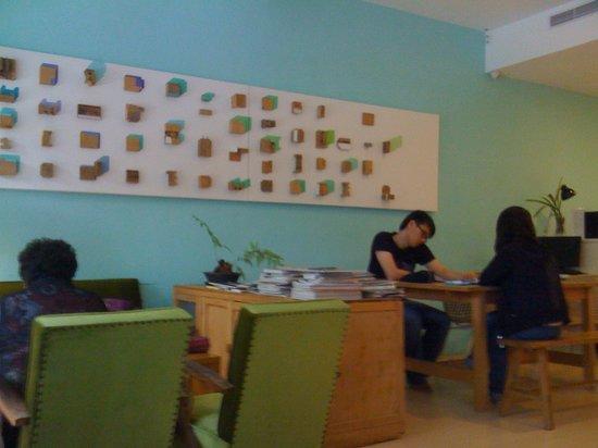 Sharehouse 132: Breakfast area