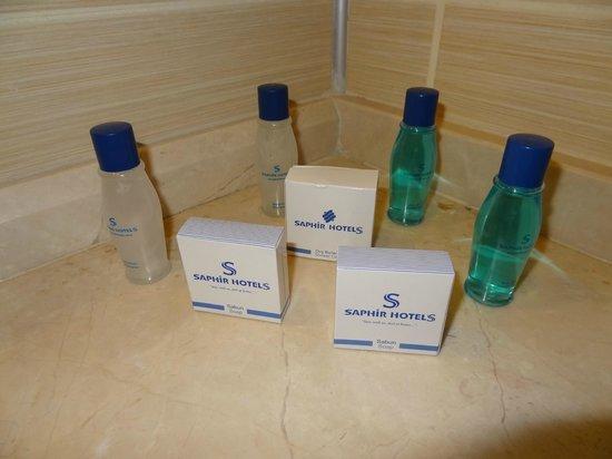 Saphir Resort & Spa: Fön,Shampoo,Duschgel vorhanden