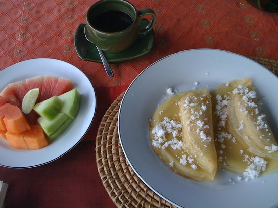 Bayu Guest House: Banana Pancake Breakfast