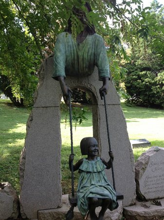 Cave Hill Cemetery: Beautiful Memorial to young girl
