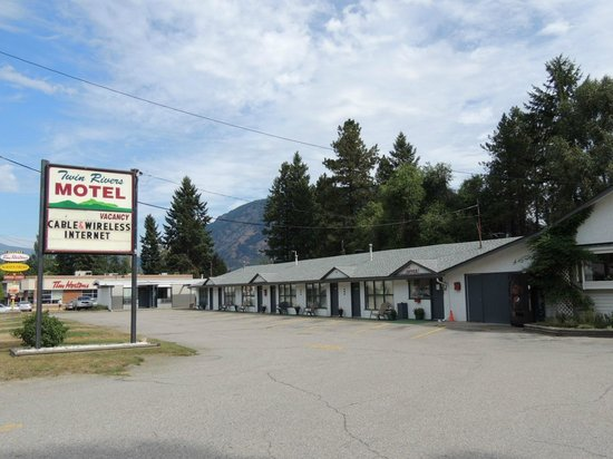 Twin Rivers Motel & RV Park