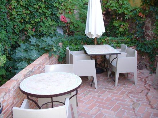 Una de las ventanas del comedor picture of hotel el - Jardin vertical terraza ...