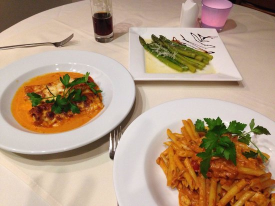 Sapori : Main penne pasta with chicken cannelloni and asparagus side dish