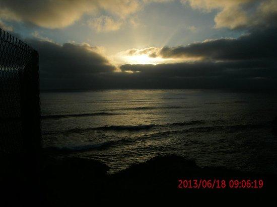 Sunset Cliffs Natural Park: sun set at the cilffs