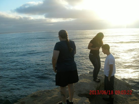 Sunset Cliffs Natural Park: wife ,son and his girl girl