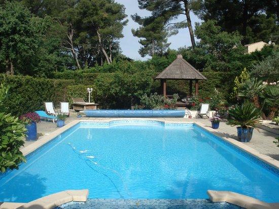 Le Marijas: pool area