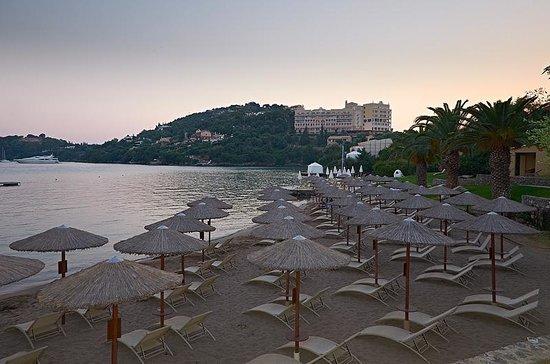 Grecotel Corfu Imperial: Зонтики на закате