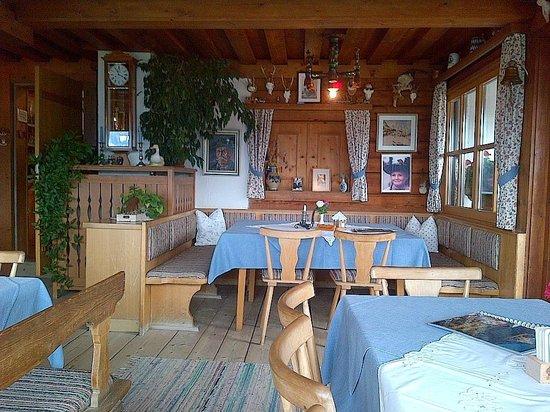 Gasthaus Café Graflhöhe Windbeutelbaron: Das Stüberl