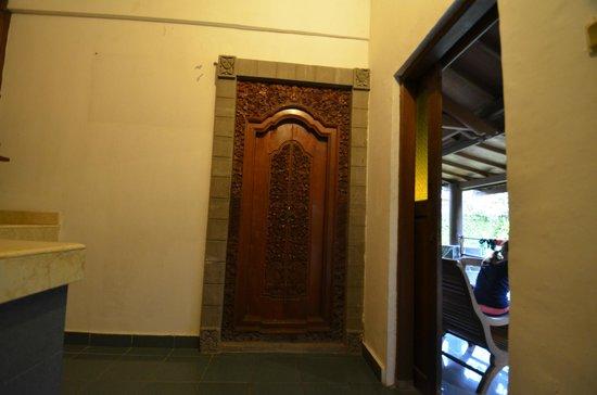 ANANDA RESORT: дверь в номер