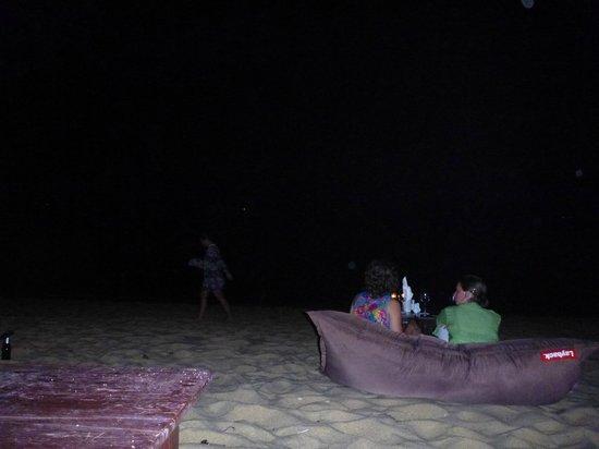 Lawana Resort : view at night from bean bags