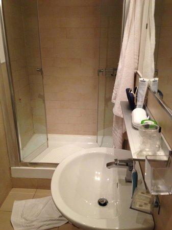 Deseo Home : Bathroom