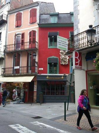 Restaurant Alexandra : Restaurant exterior