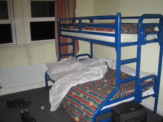 Cork International Hostel: Double bunk bed in four-bed room
