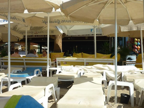 Blanca Restaurant: the sunbeds