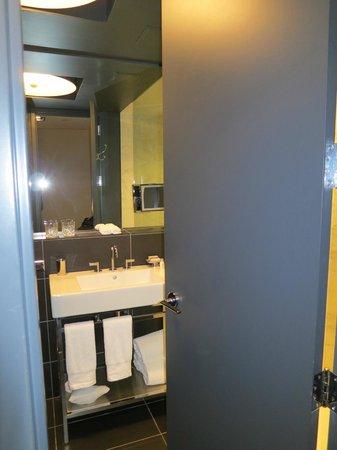 Ames Boston Hotel, Curio Collection by Hilton : Bad